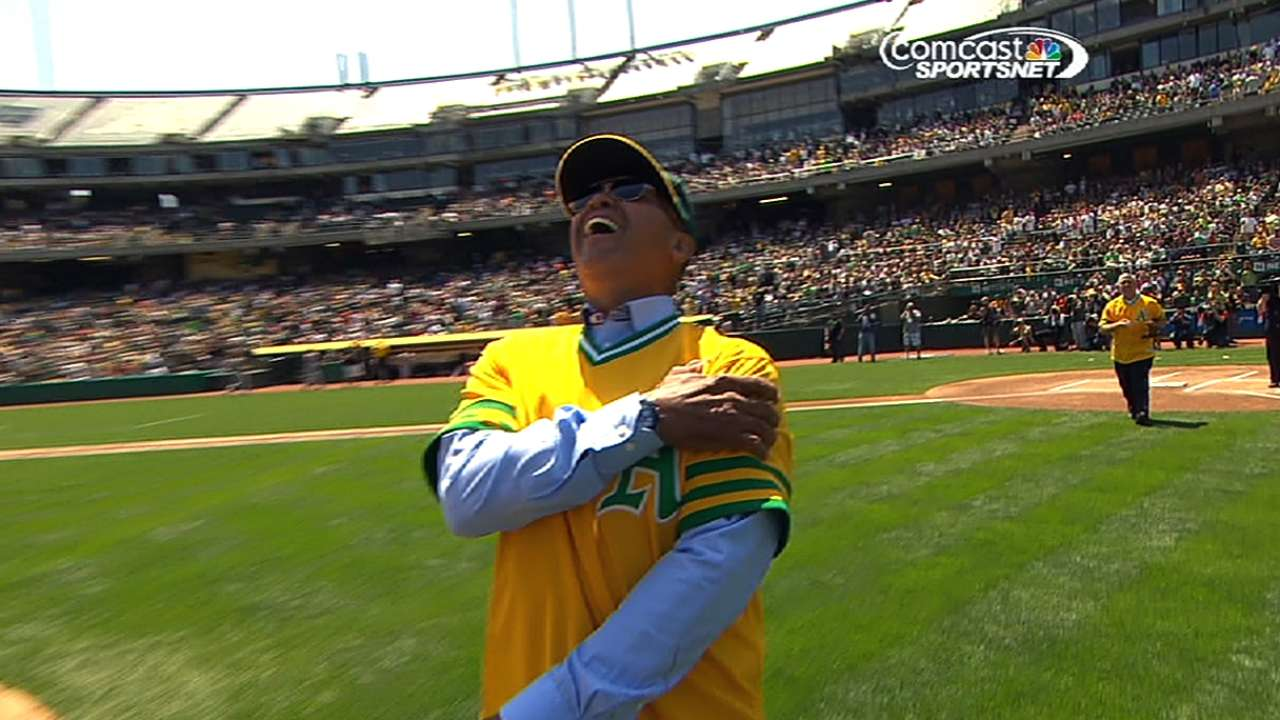 A's honor Jackson, '73 World Series champs