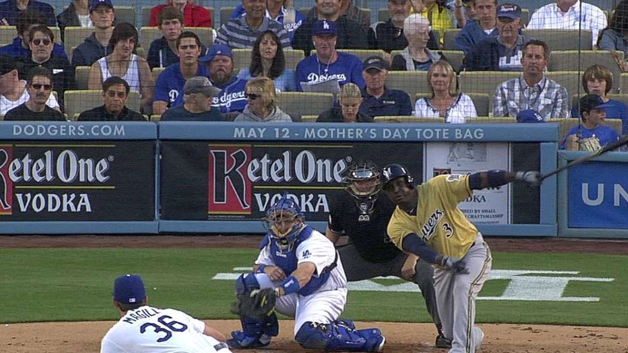 Betancourt takes his turn as Brewers' cleanup man