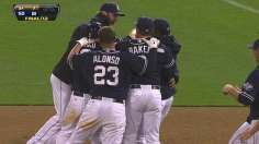 Alonso's doubles key in Padres' walk-off victory