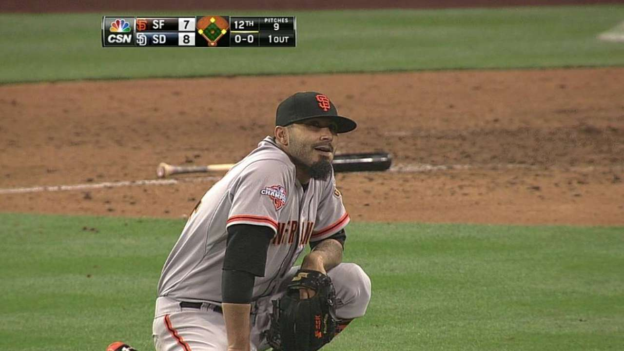 Errors fuel Giants' 12-inning loss to Padres