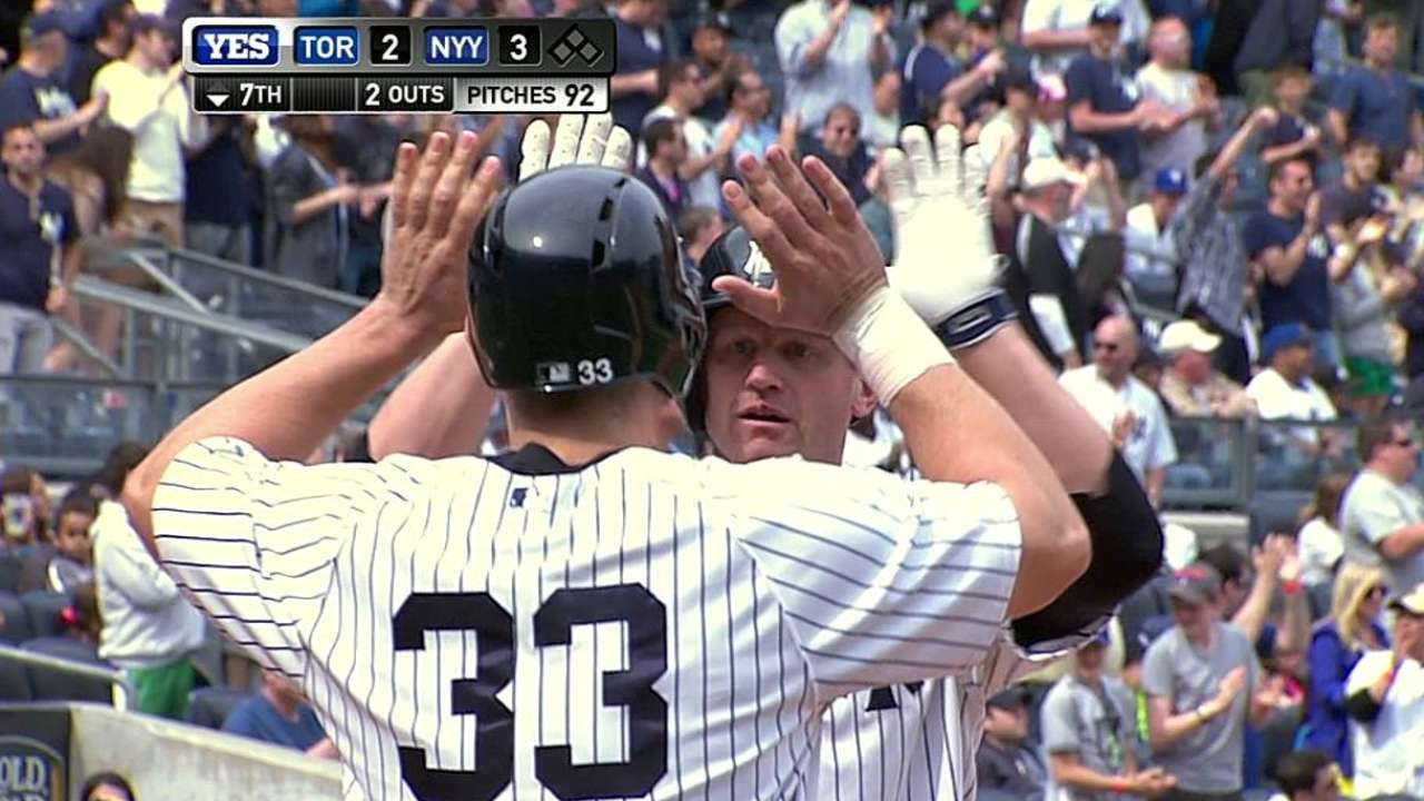 Overbay's homer lifts Yankees past Jays
