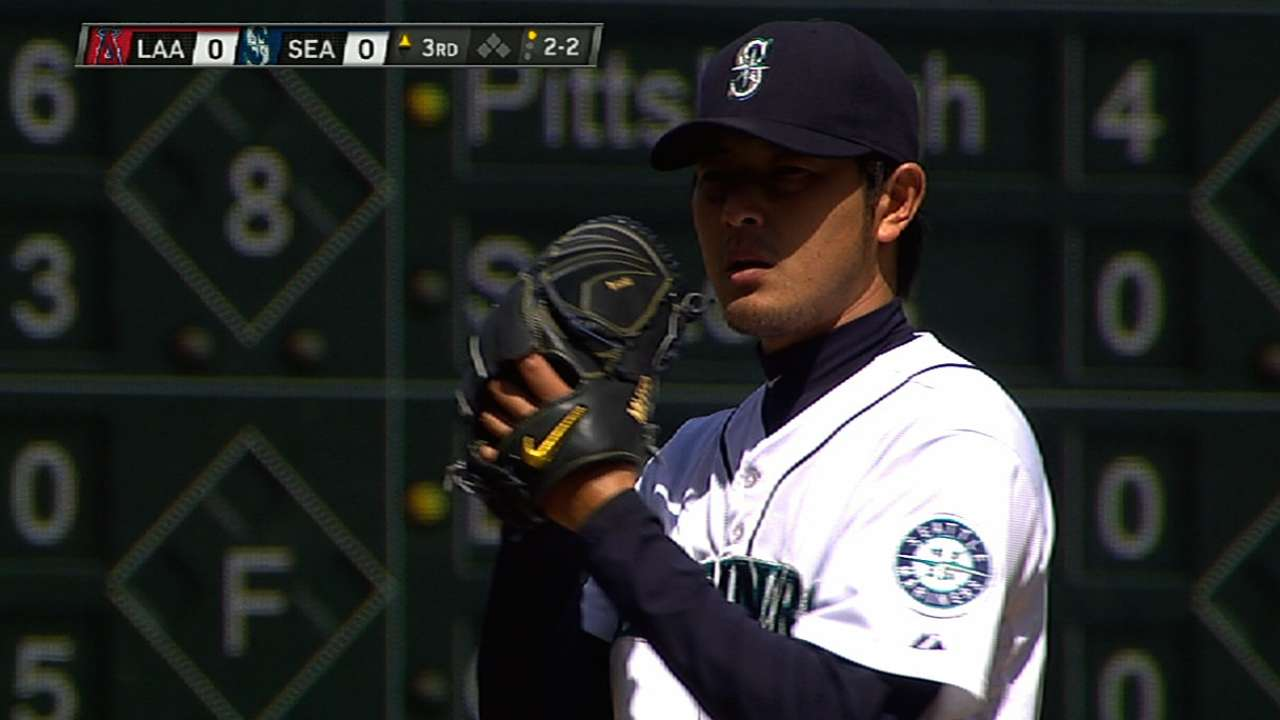 Iwakuma, Saunders trade spots in starting rotation