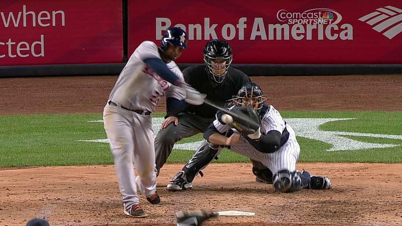 Los bates de Astros castigaron a Pettitte, Yankees