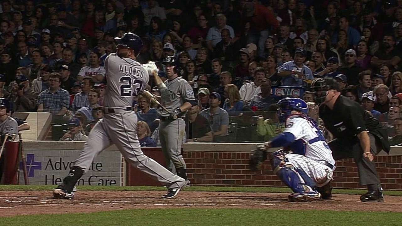 Padres' win streak is halted in Chicago