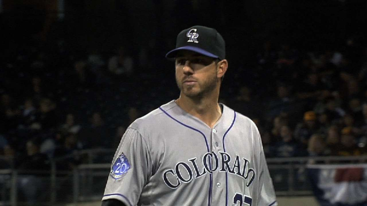 Veteran Garland leads by example for Rockies