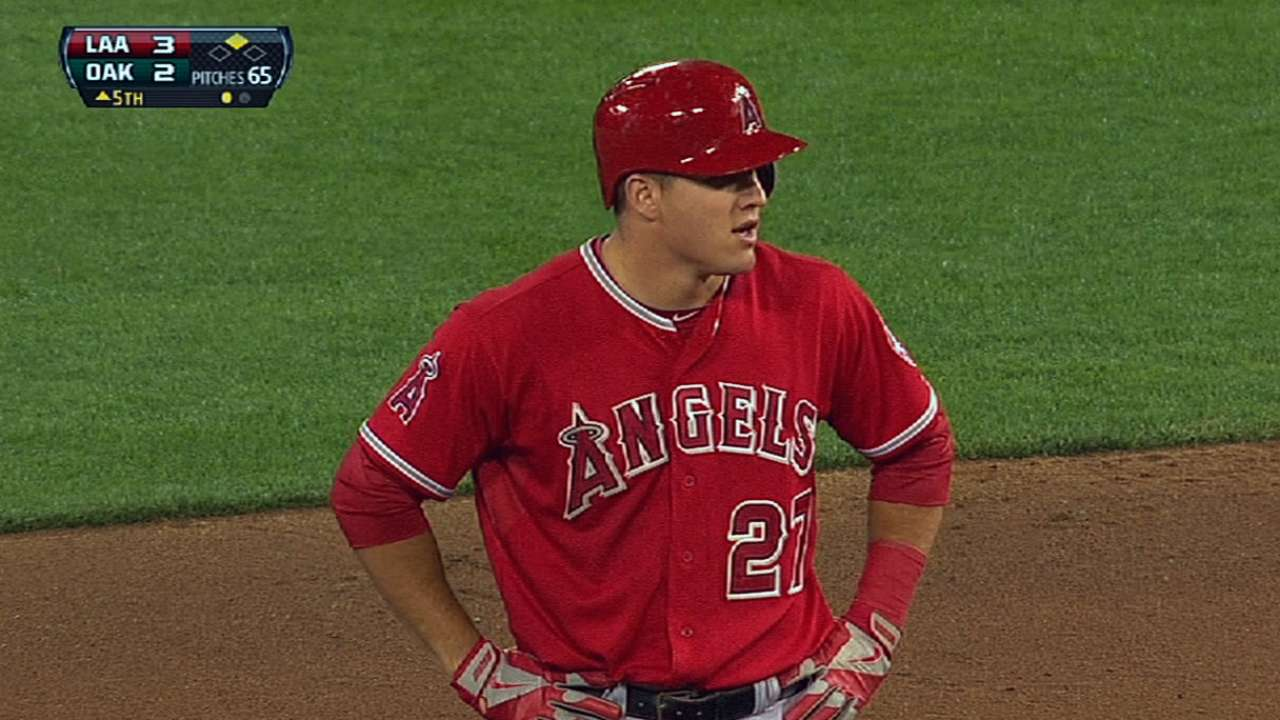 Angels close April with fourth straight loss