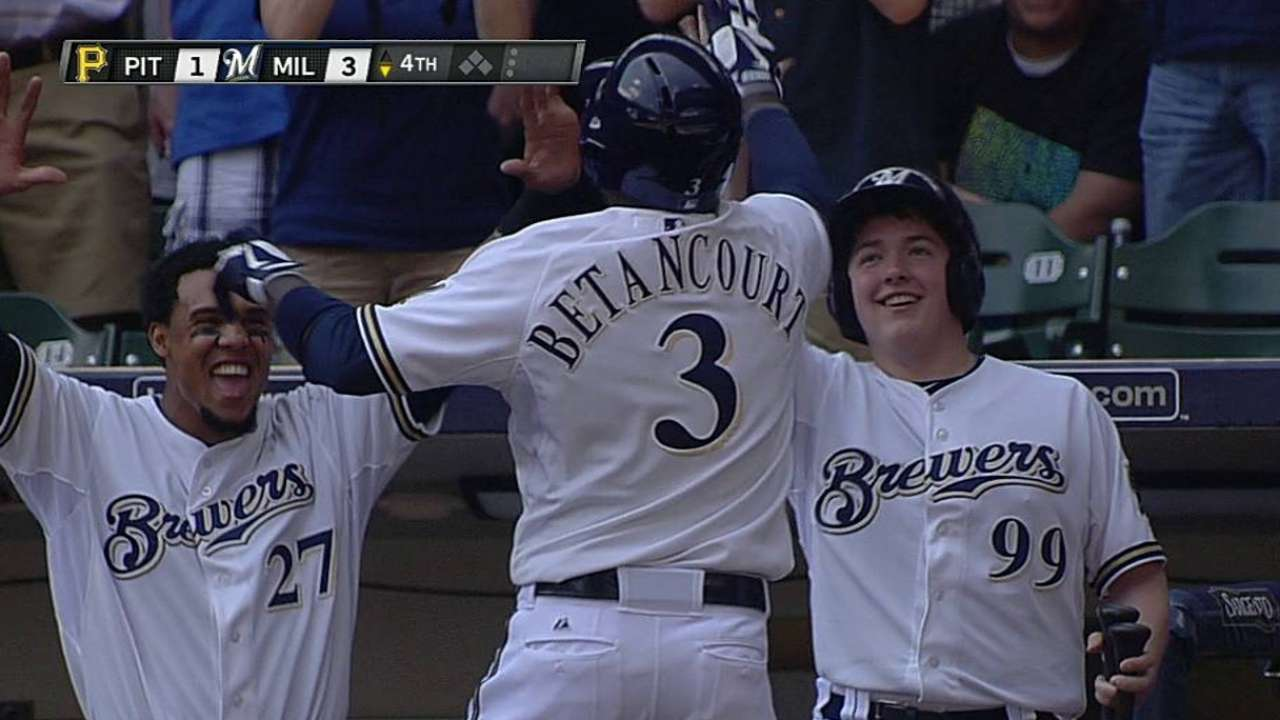 Burgos strong, but Brewers can't finish sweep