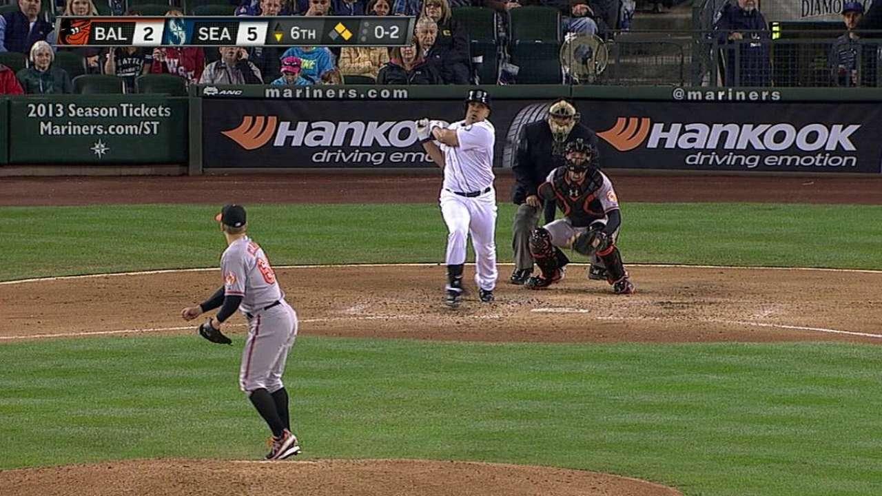 Morales clave en victoria de Marineros sobre Orioles