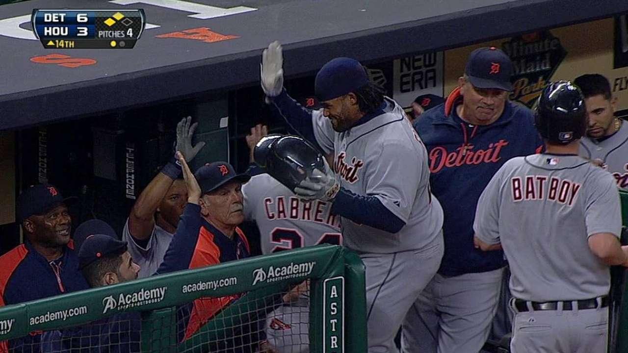 Tigres se imponen a Astros en maratónico juego