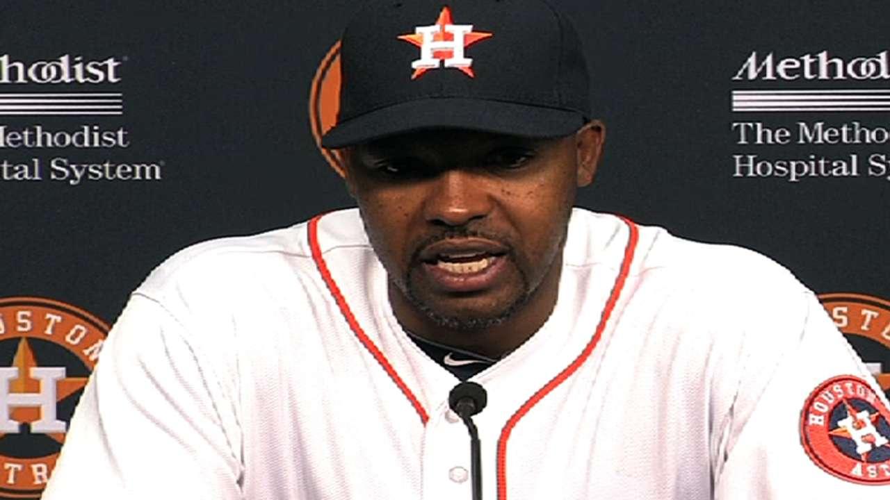 Astros battle falls short in 14-inning marathon