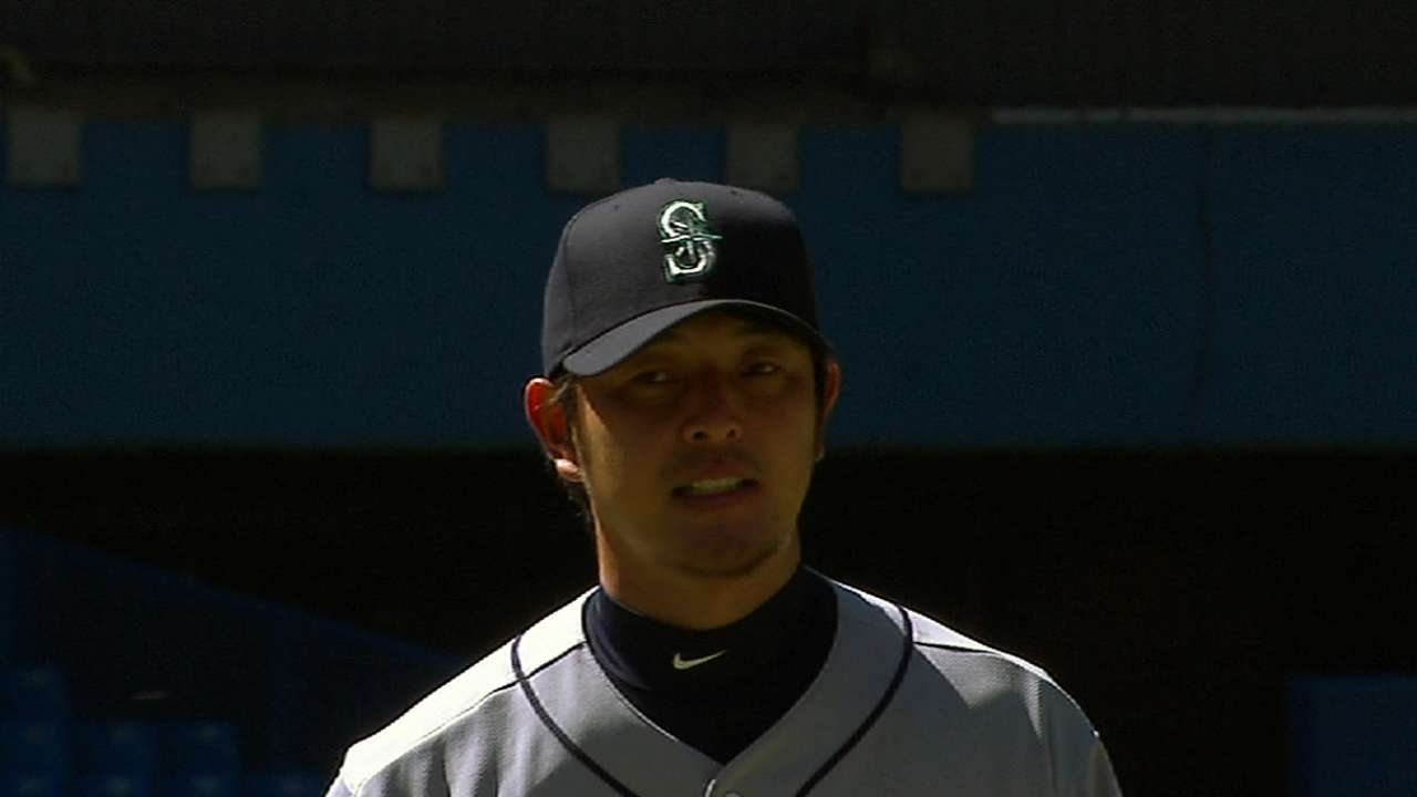 Felix, Iwakuma give Mariners strong starting tandem