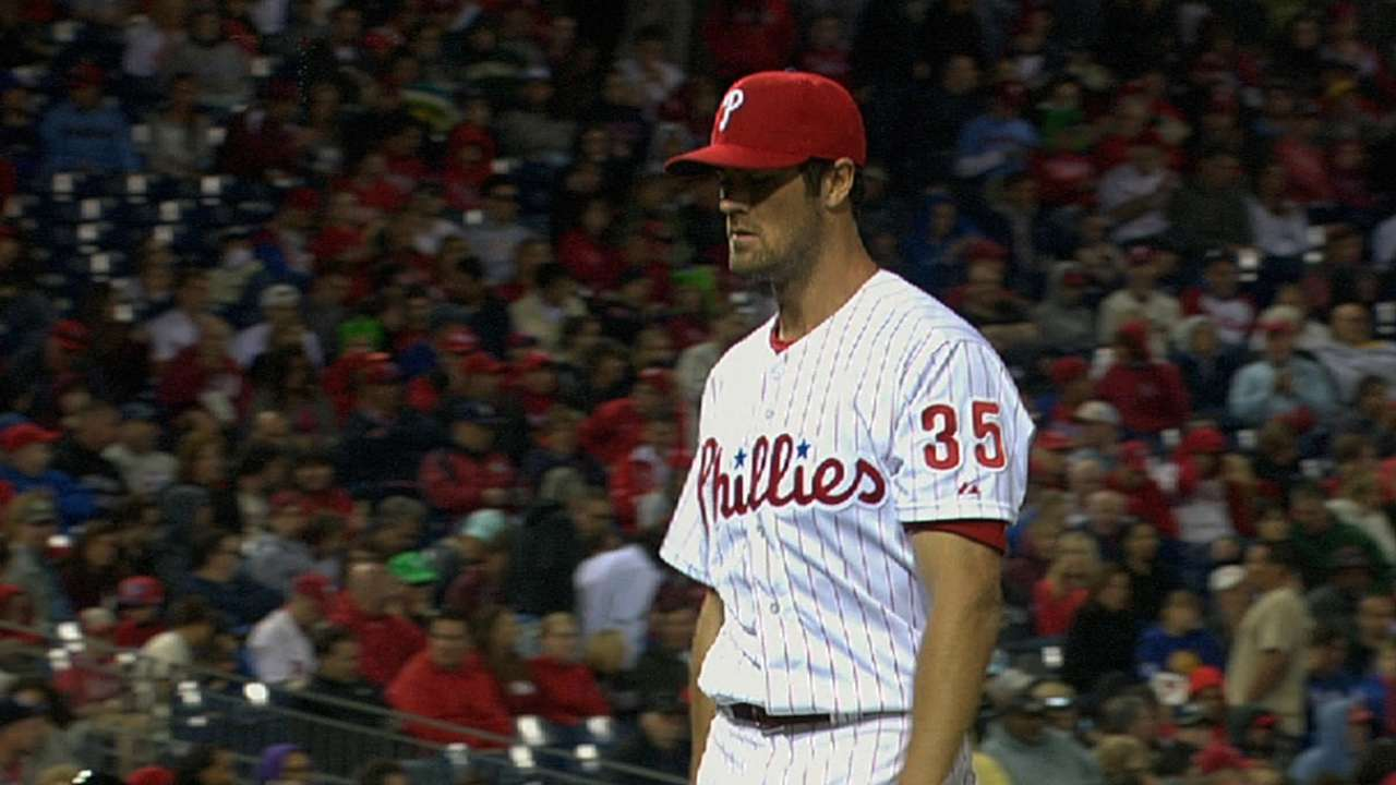 Hamels outdueled by Fernandez as Phils shut out