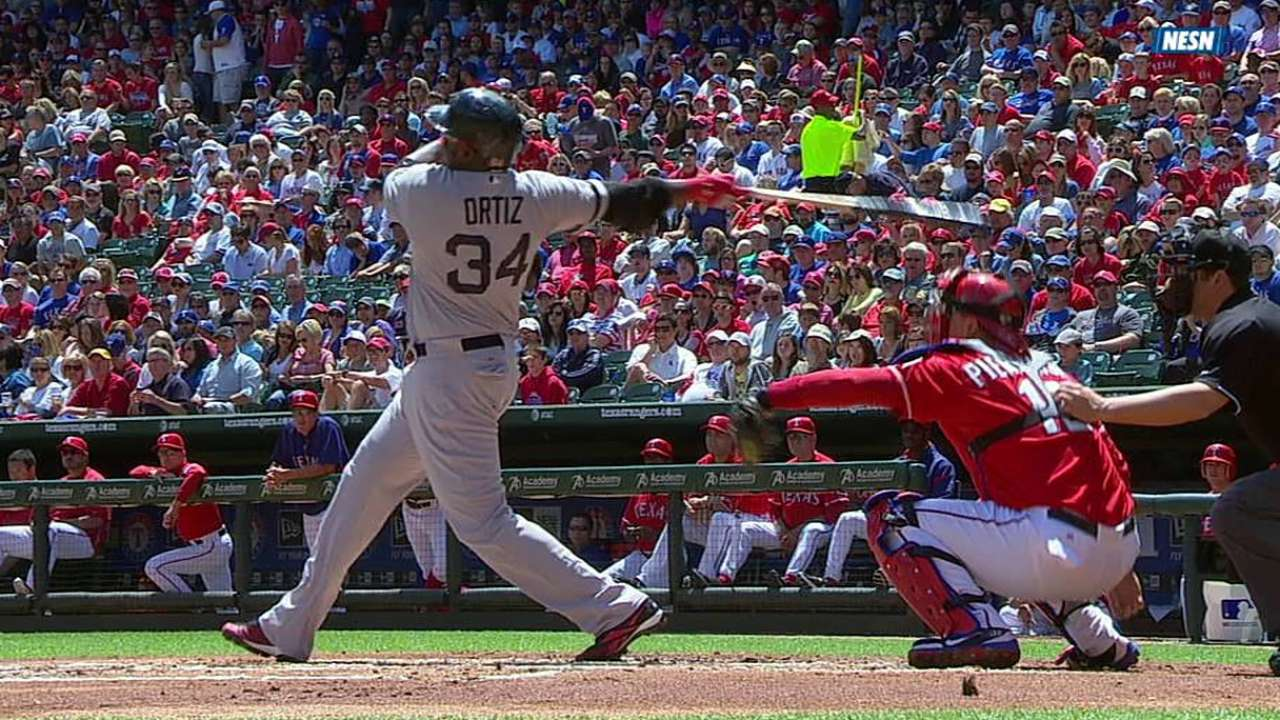 Ortiz goes deep, extends hit streak to 25 games