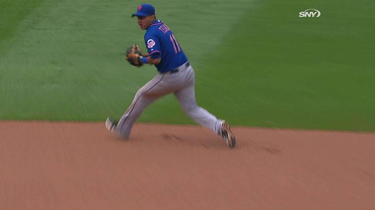 Niese, Mets cayeron castigados por bates de Bravos