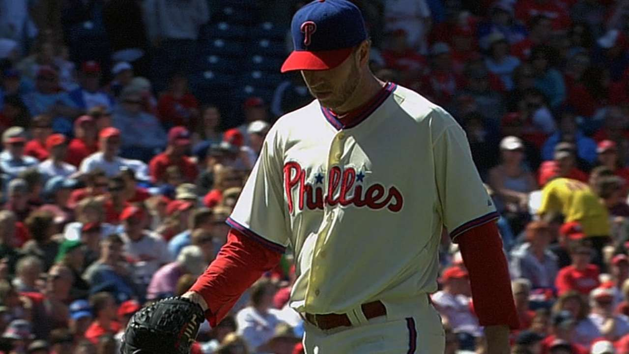 Doc reveals shoulder discomfort after Phillies' loss
