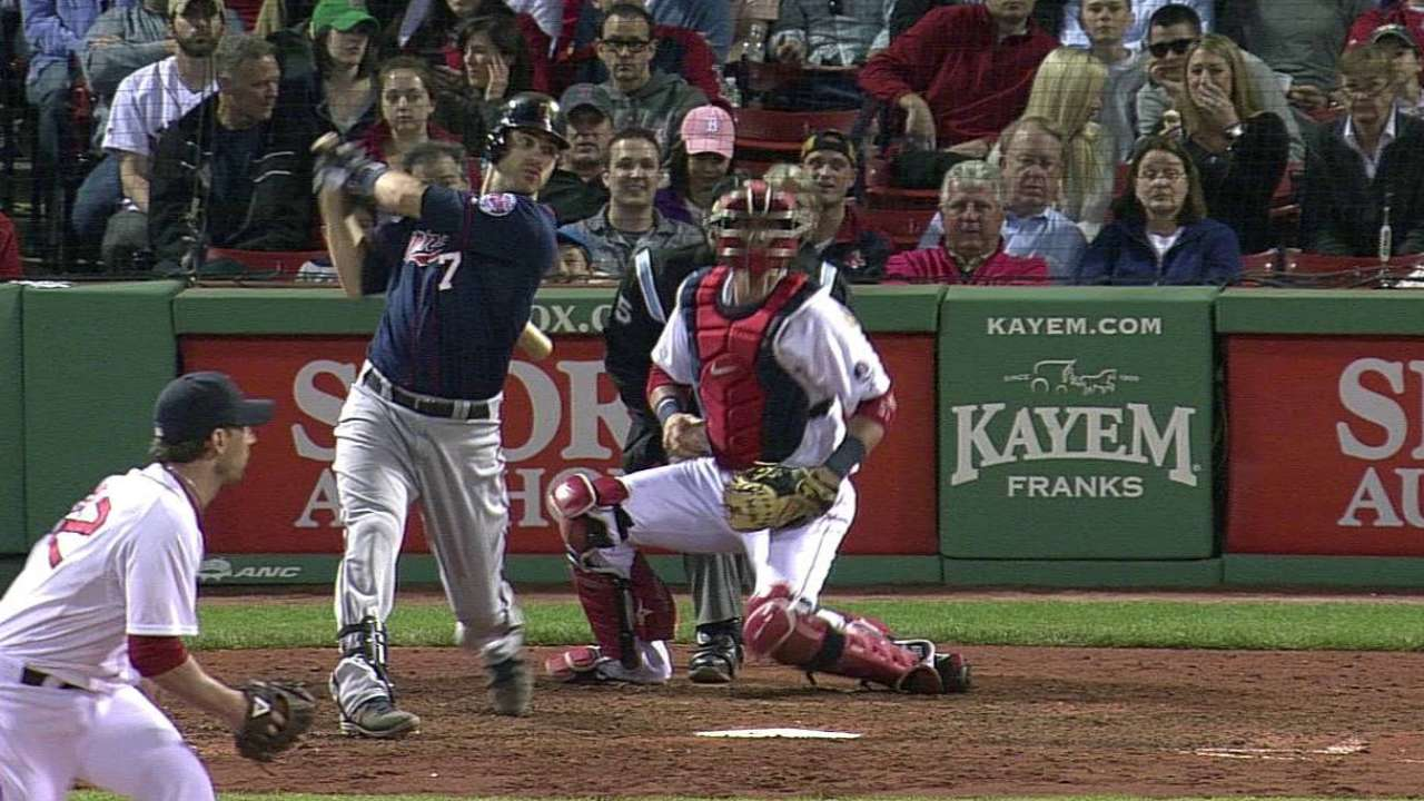 Mauer's bat continues to heat up in May