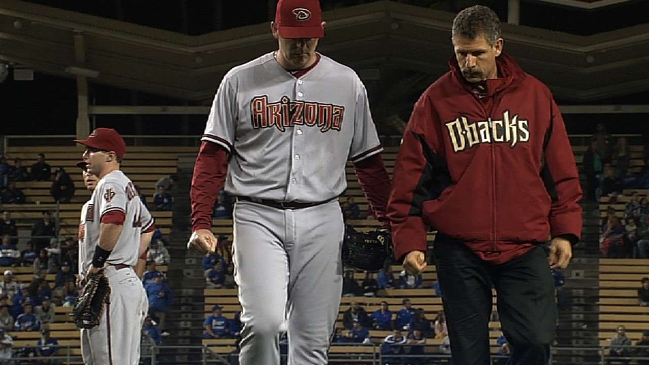 Putz slated to see doctor regarding elbow stiffness