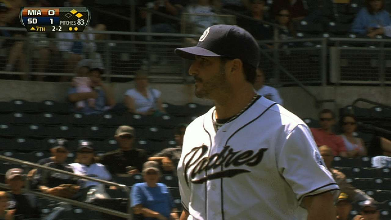 Marquis dominates as Padres win fourth straight