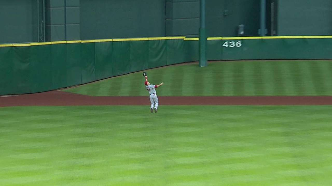 Angels' outfielders adjusting to Minute Maid Park
