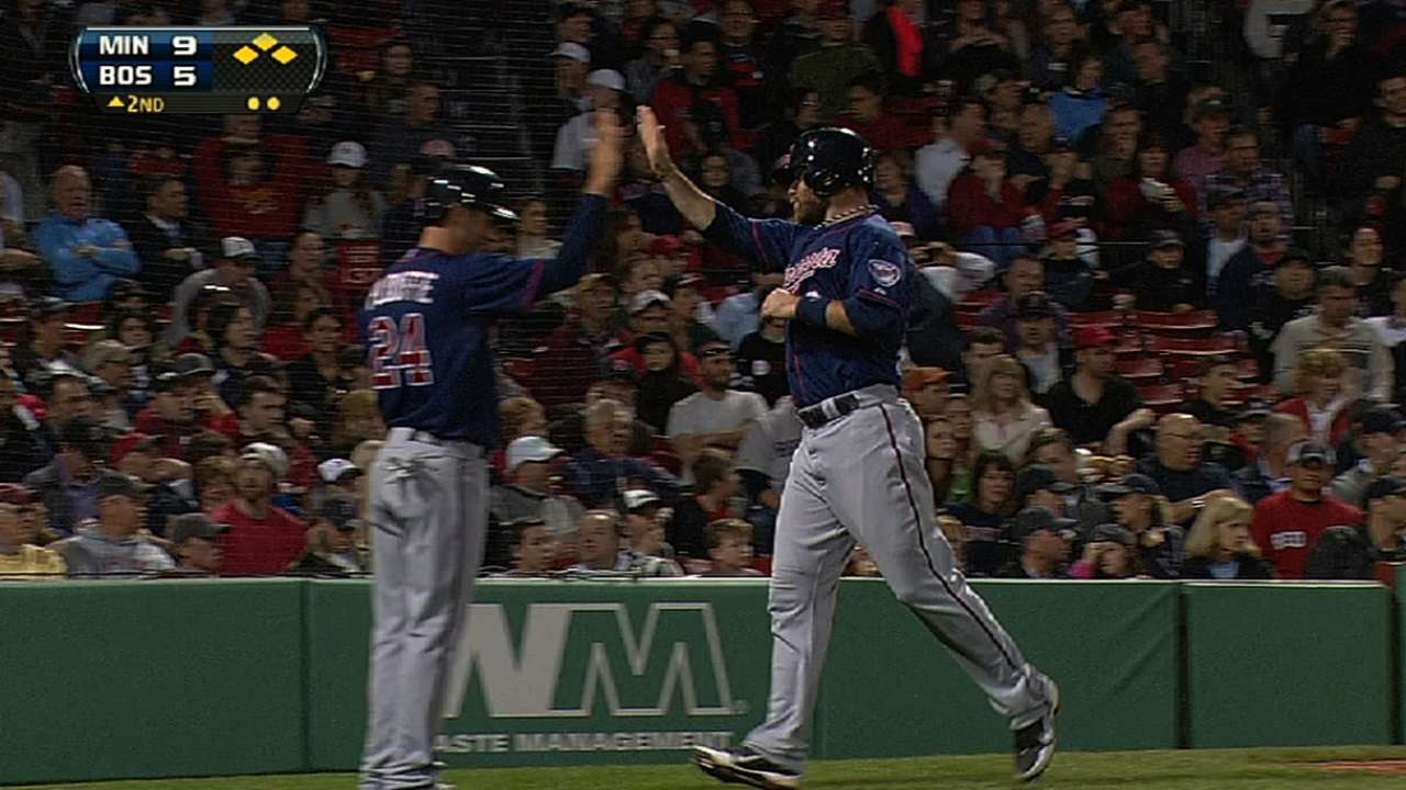 Behind 19-hit outburst, Twins rout Red Sox