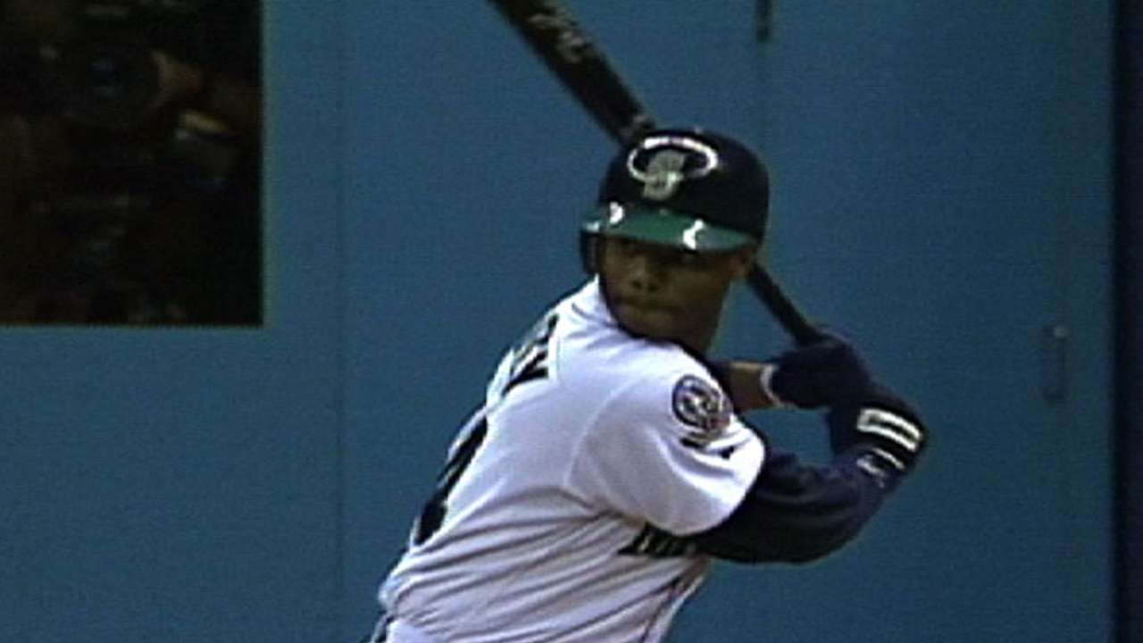 Griffey's fifth homer of ALDS