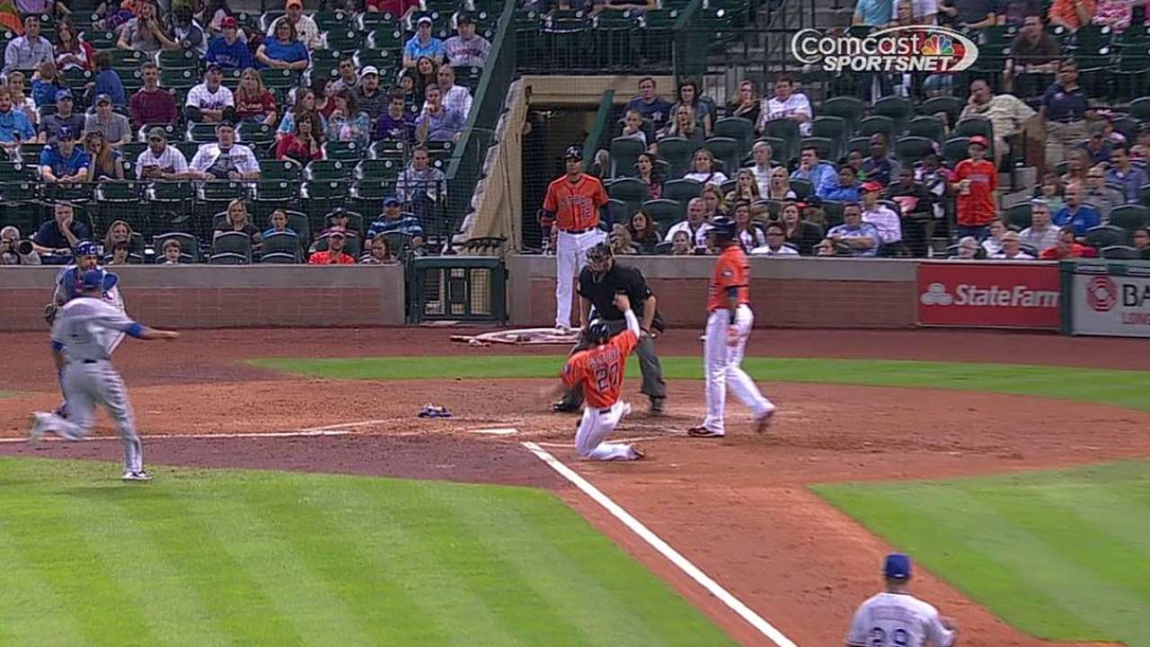 Altuve picking up the pace on the basepaths