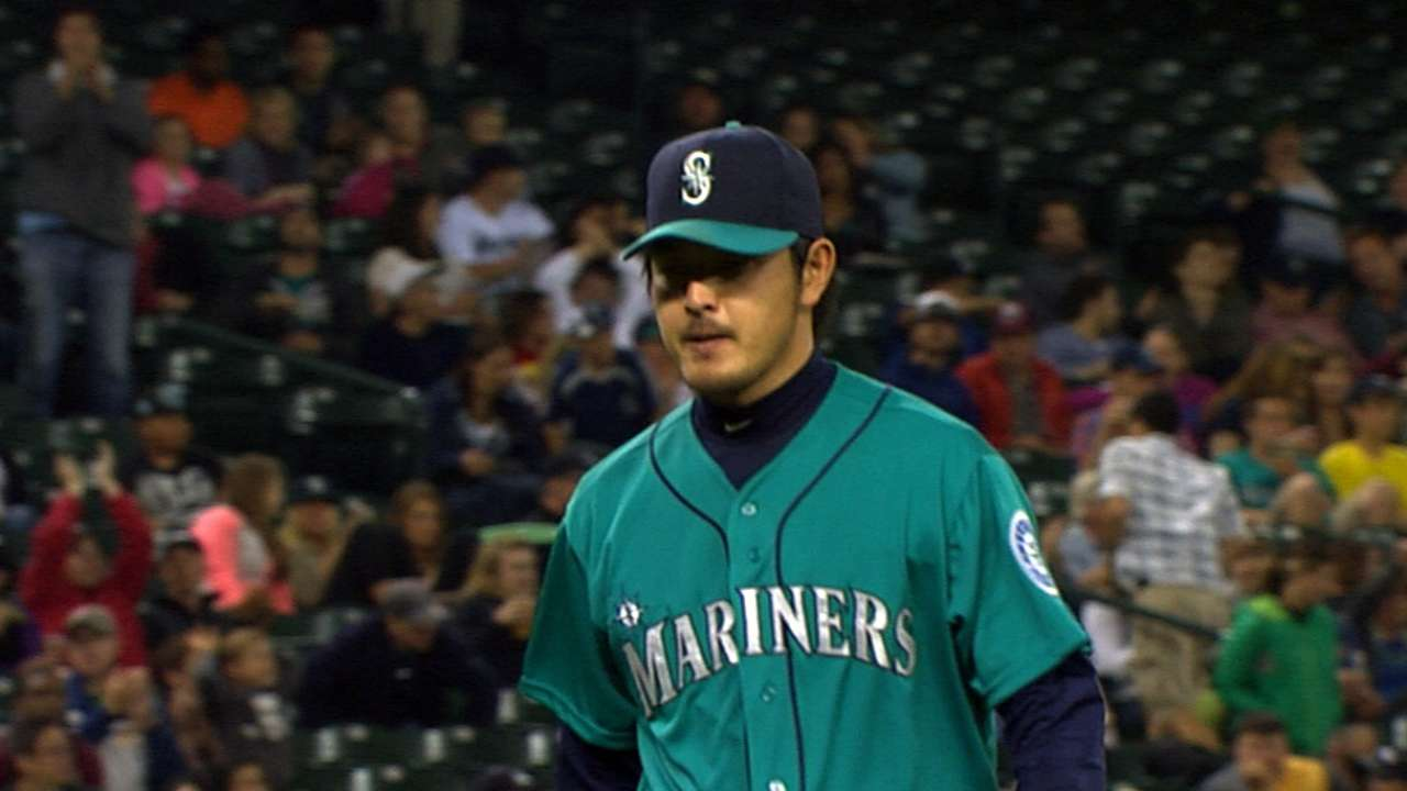 Iwakuma in fine form as Mariners top Athletics