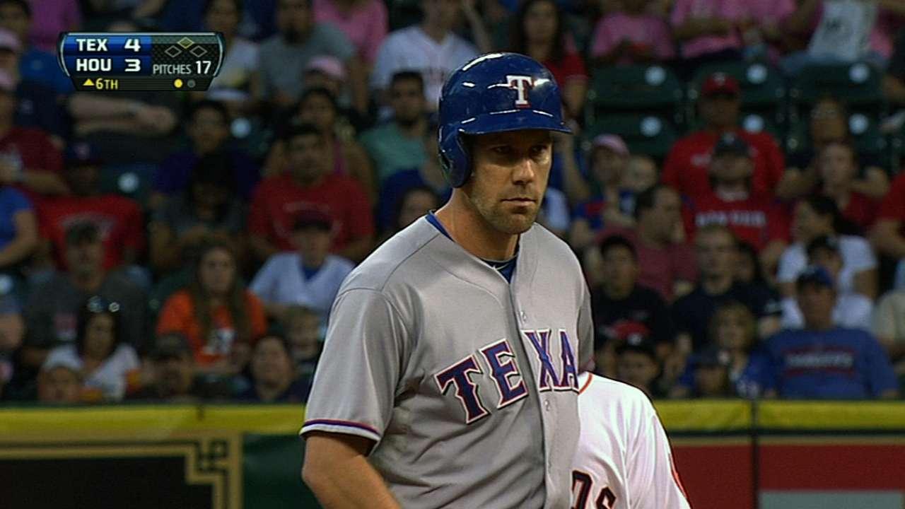 Big inning, big save lift Yu, Rangers in Houston