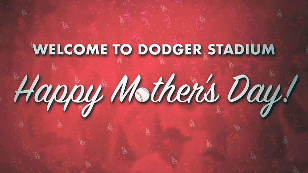 Dodgers honor moms, who witness feats in win