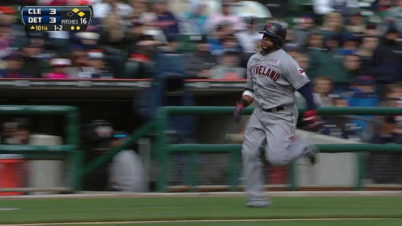 Indians rally behind pinch-hitters Bourn, Reynolds