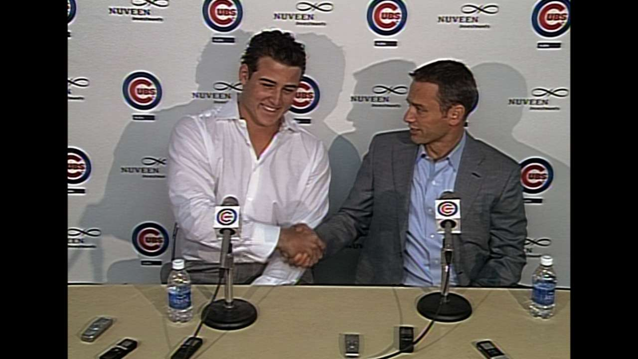 Rizzo signs seven-year, $41M extension with Cubs
