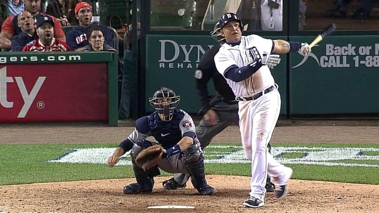 Cabrera, Tigres reviven en la 5ta y vencen a Astros