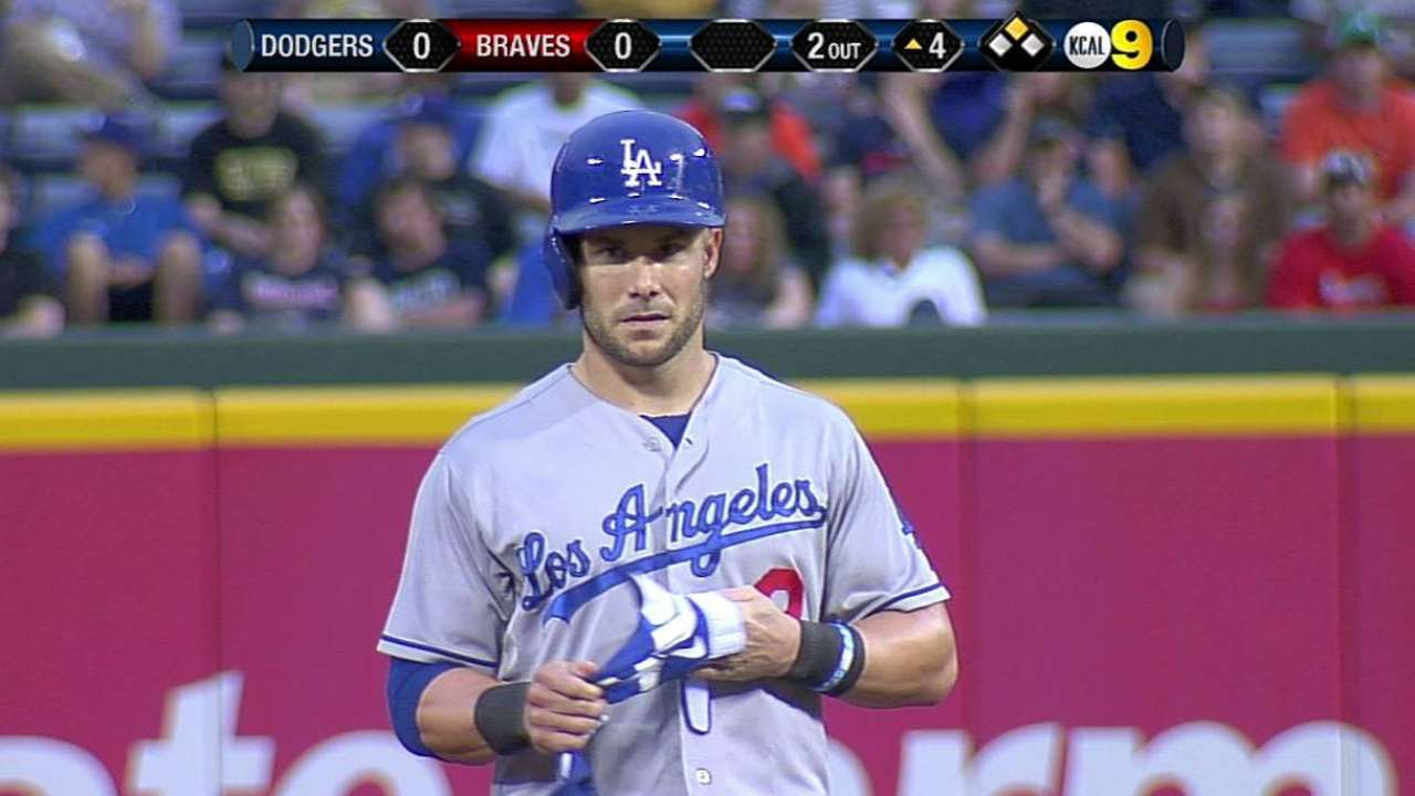 Relevo falla en la 8va y Dodgers caen ante Bravos