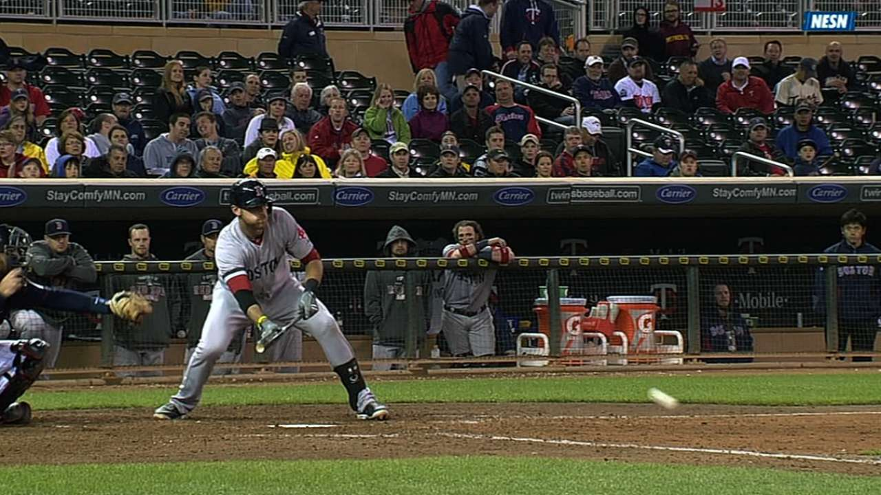 Middlebrooks' bunt key part of Sox's rally