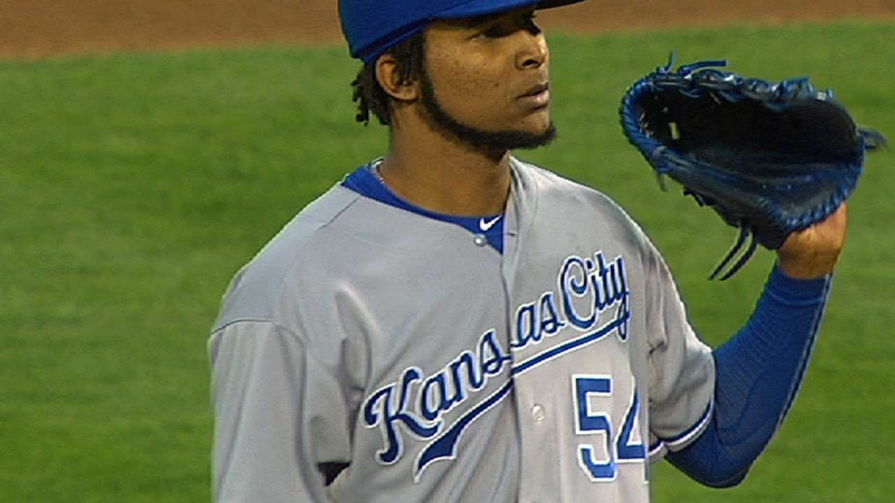 Royals get on board early but fall vs. A's