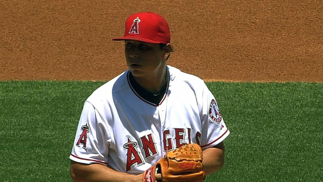 Angels take patient approach to back Vargas