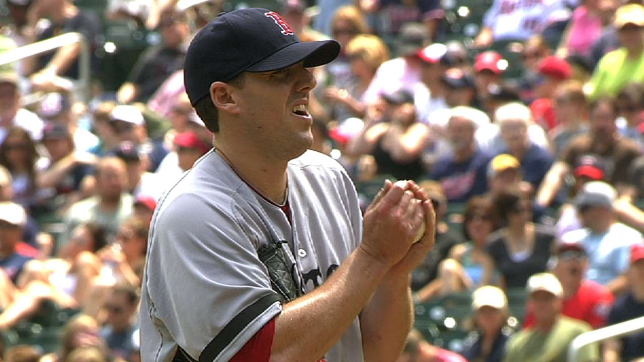 Lackey, Red Sox weather storm to sweep Twins