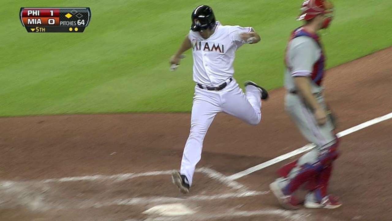Fernandez effective, but bullpen can't keep it close