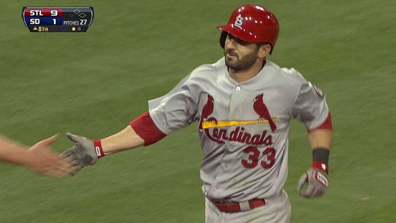 Descalso's career game backs win for Wainwright