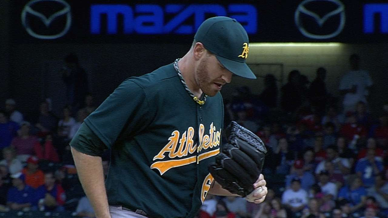 Dealing Straily pitches A's to fifth straight win