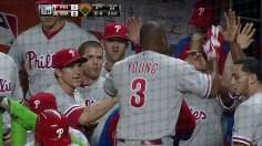 Lee tosses three-hit shutout, Phillies top Marlins