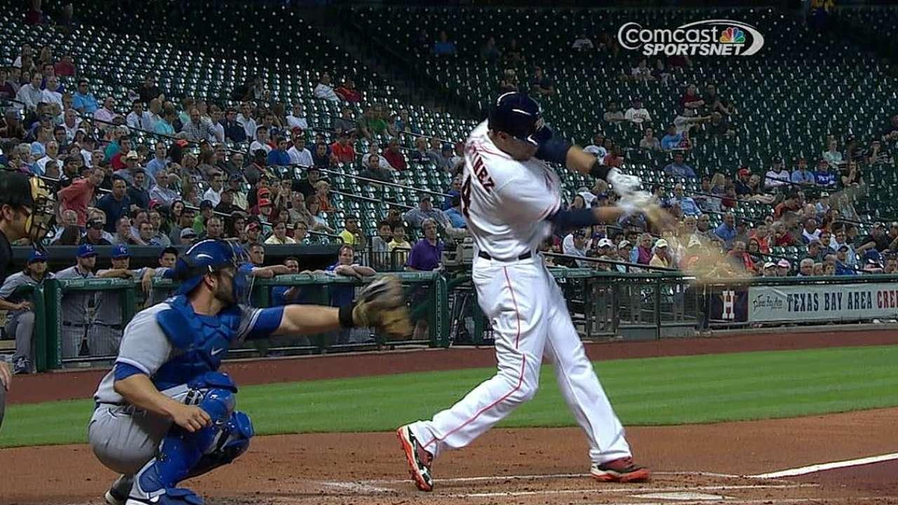 Astros se llevan serie gracias a HR de Martínez