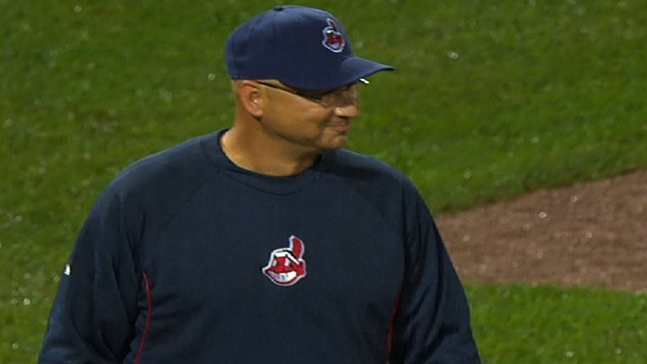 Francona appreciative, victorious in return to Fenway