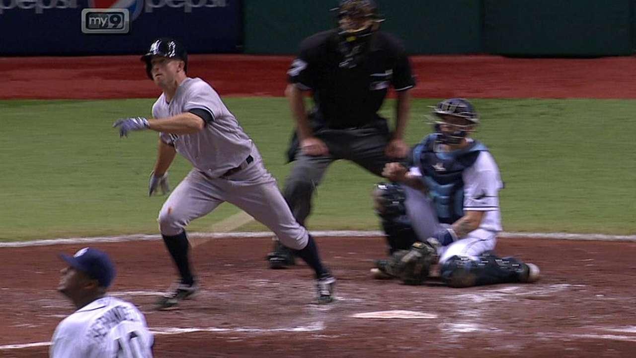 Yankees maniatan a Hernández en victoria vs. Rays