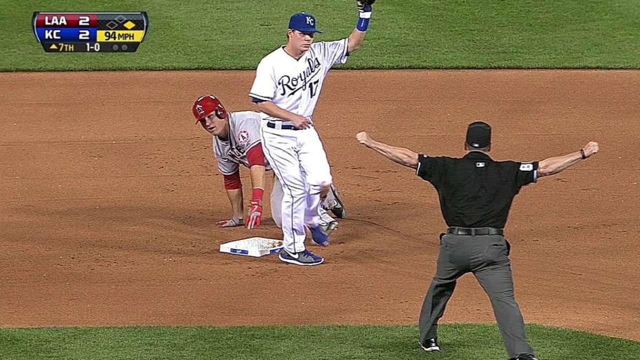 Royals can't get right vs. lefty Vargas, Halos