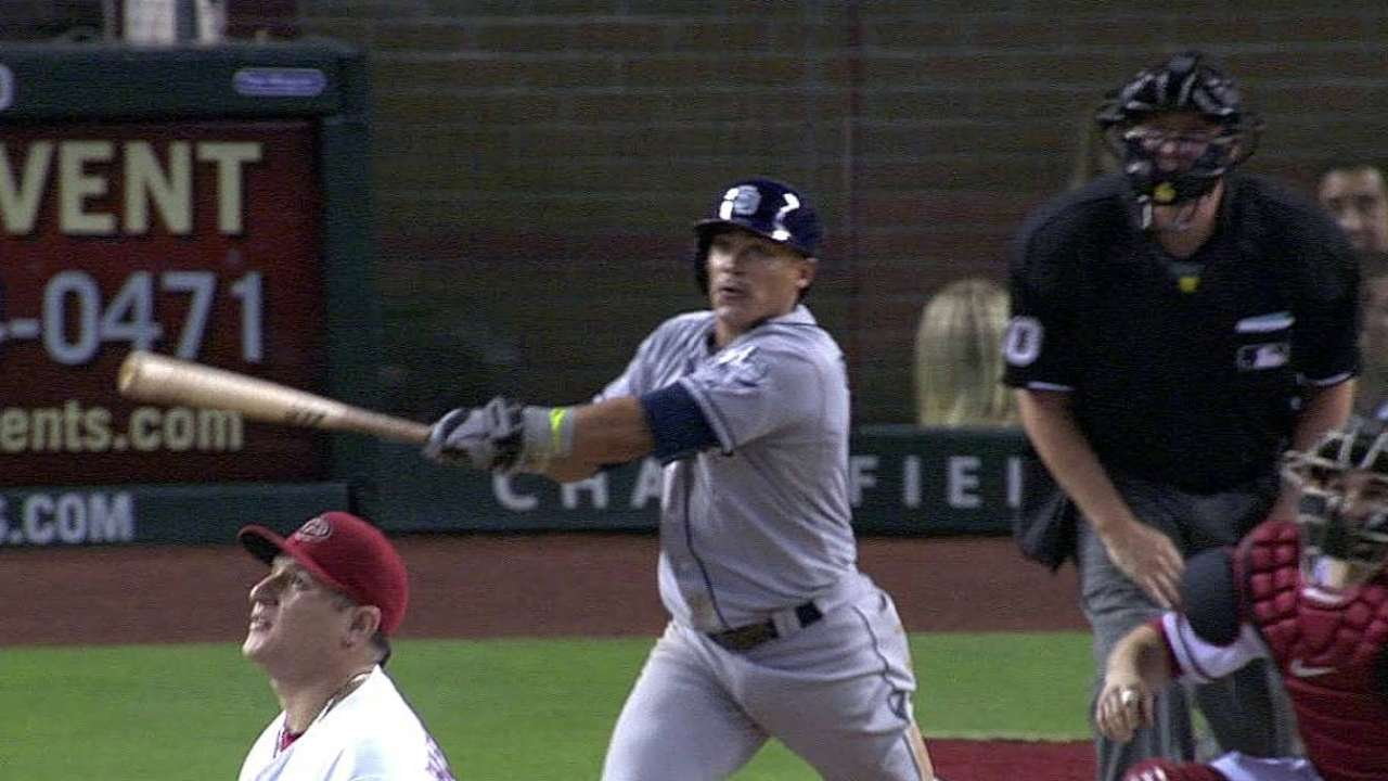Stults, Padres felled by five-run seventh in Arizona