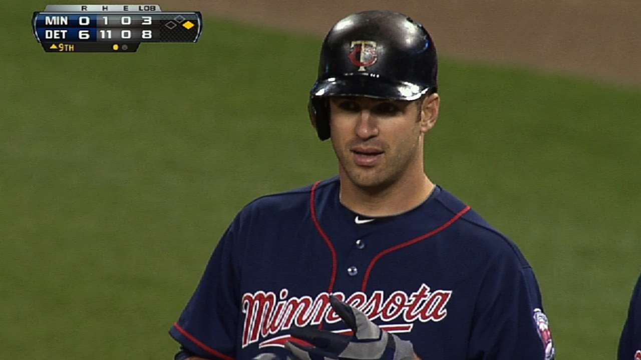 Mauer squashes no-hitter in ninth for third time
