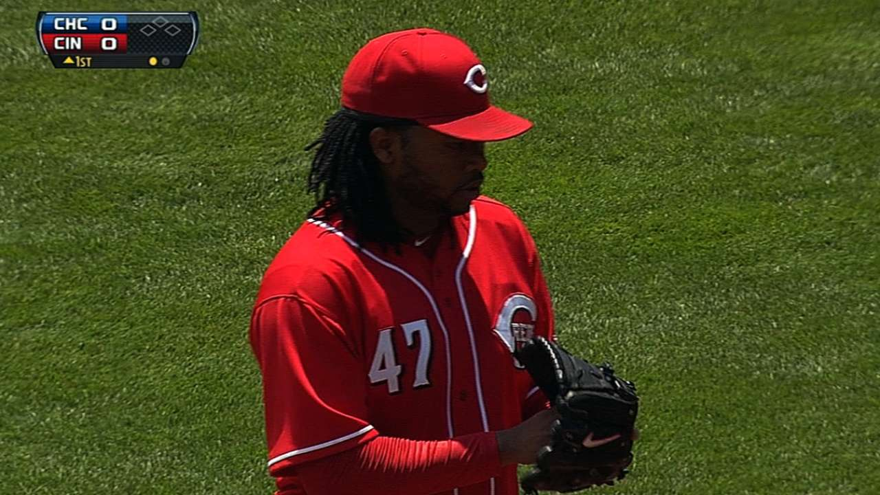 'Pen squanders Cueto's strong start as Cubs win in 10th