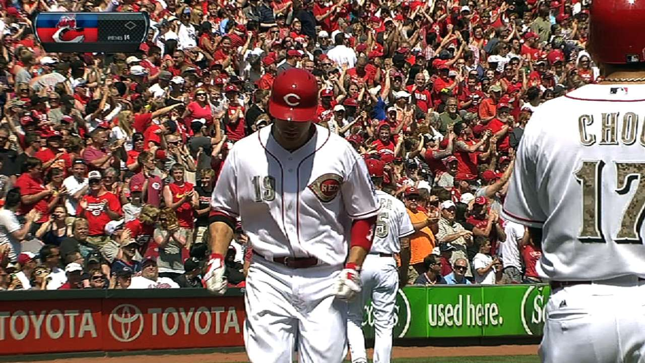 Votto's HR in eighth leads Reds past Indians