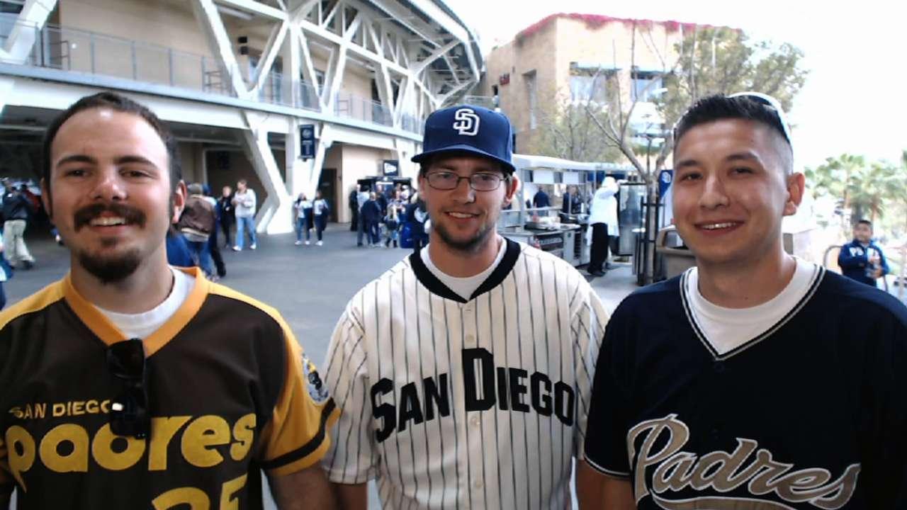 Padres fans battle for cash on latest 'Bucks'